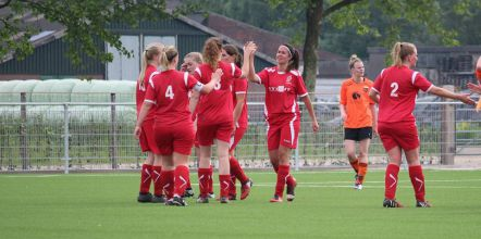 Dames 1 maakt 100e goal en boekt overtuigende zege uit bij HSSC`61.